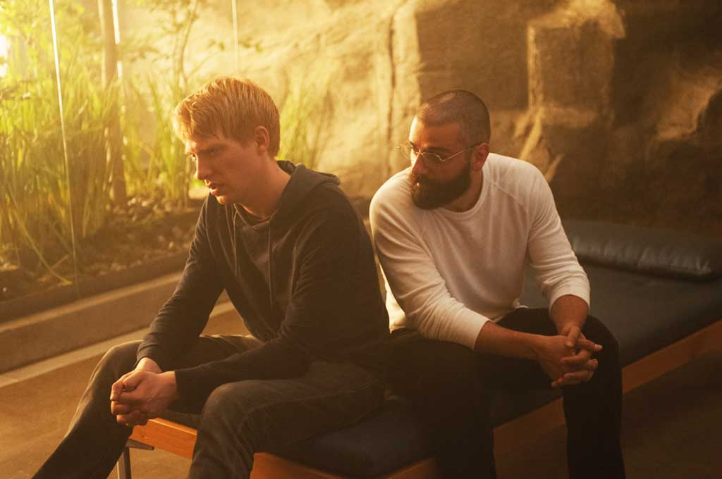 Domhnall Gleeson and Oscar Isaac in Ex Machina