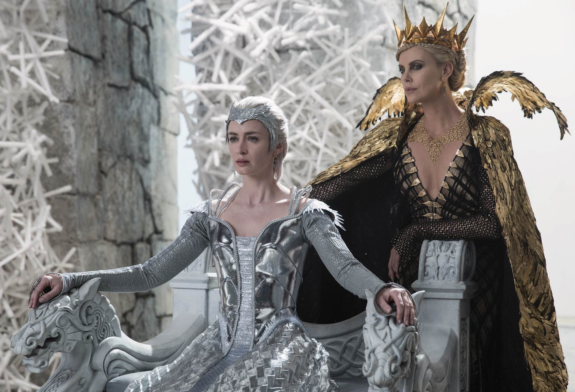 Emily Blunt Charlize Theron The Huntsman Winter's Tale
