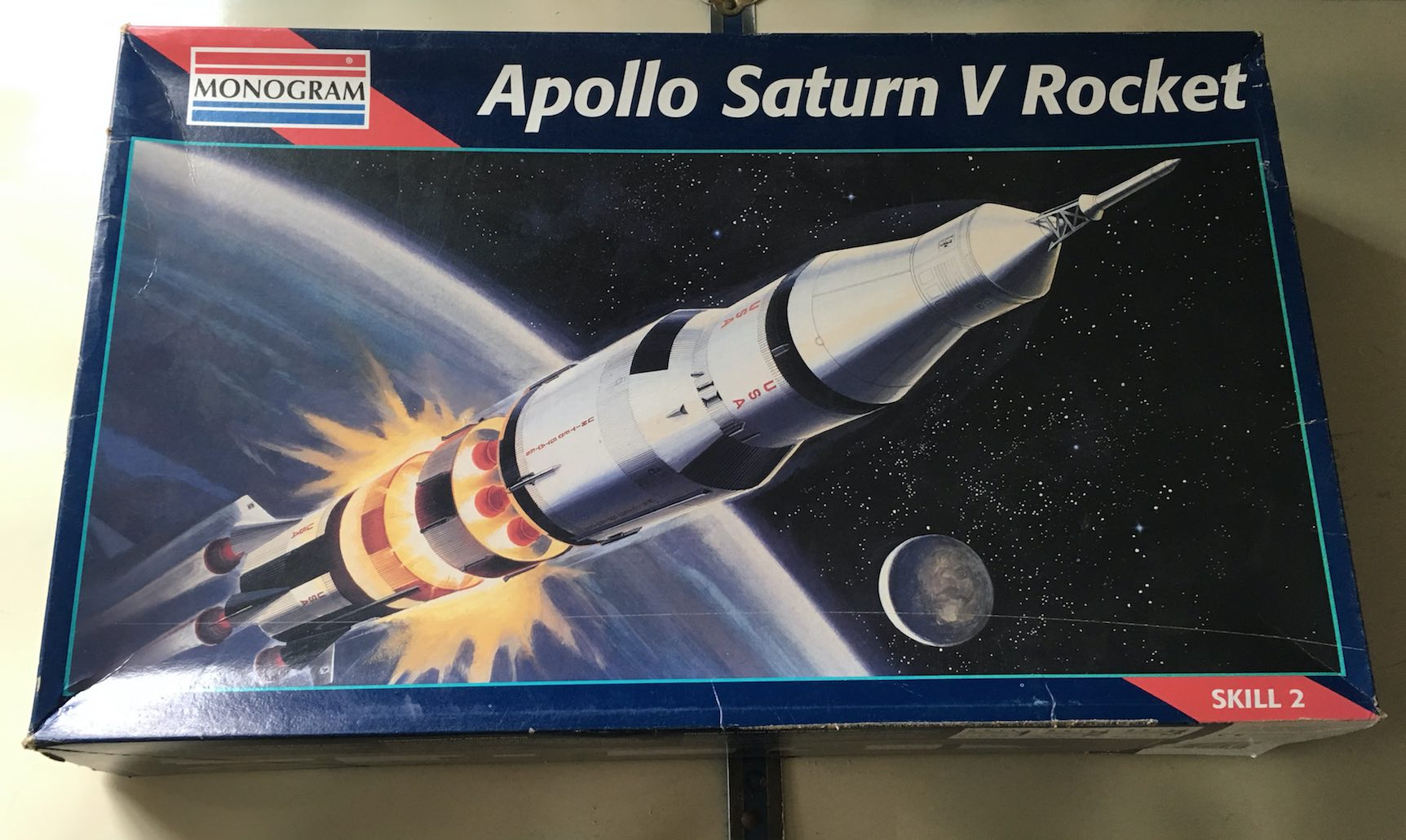 Apollo Saturn V vintage box rocket model